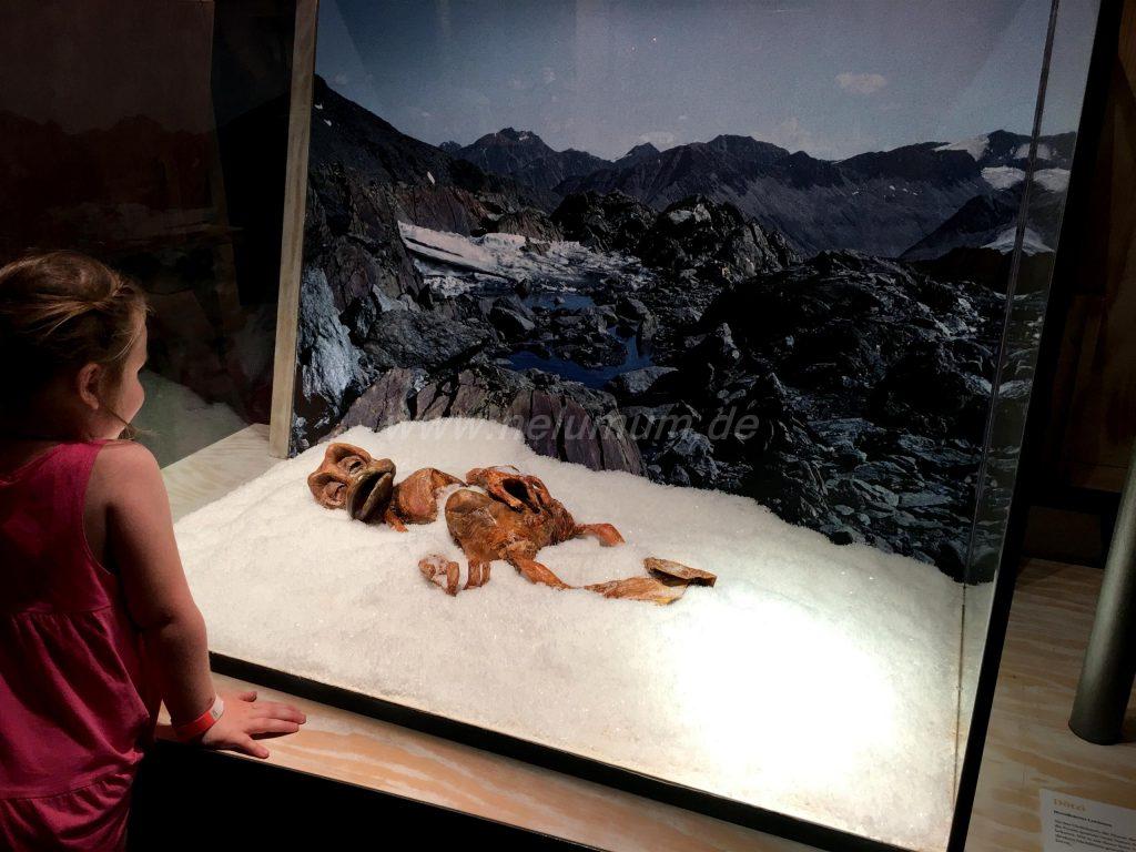 Duckomenta_Ötzi_im_Eis