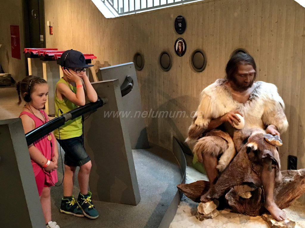 Neanderthal_Museum_mit_Kindern_