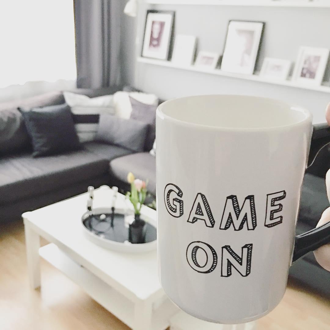 Guten Morgen ❤️ #sonntagsgefühl ist für mich, wenn alle länger schlafen und ich in Ruhe meinen #Kaffee trinken darf 😍  Was ist es bei euch? 😉  Macht es euch schön!