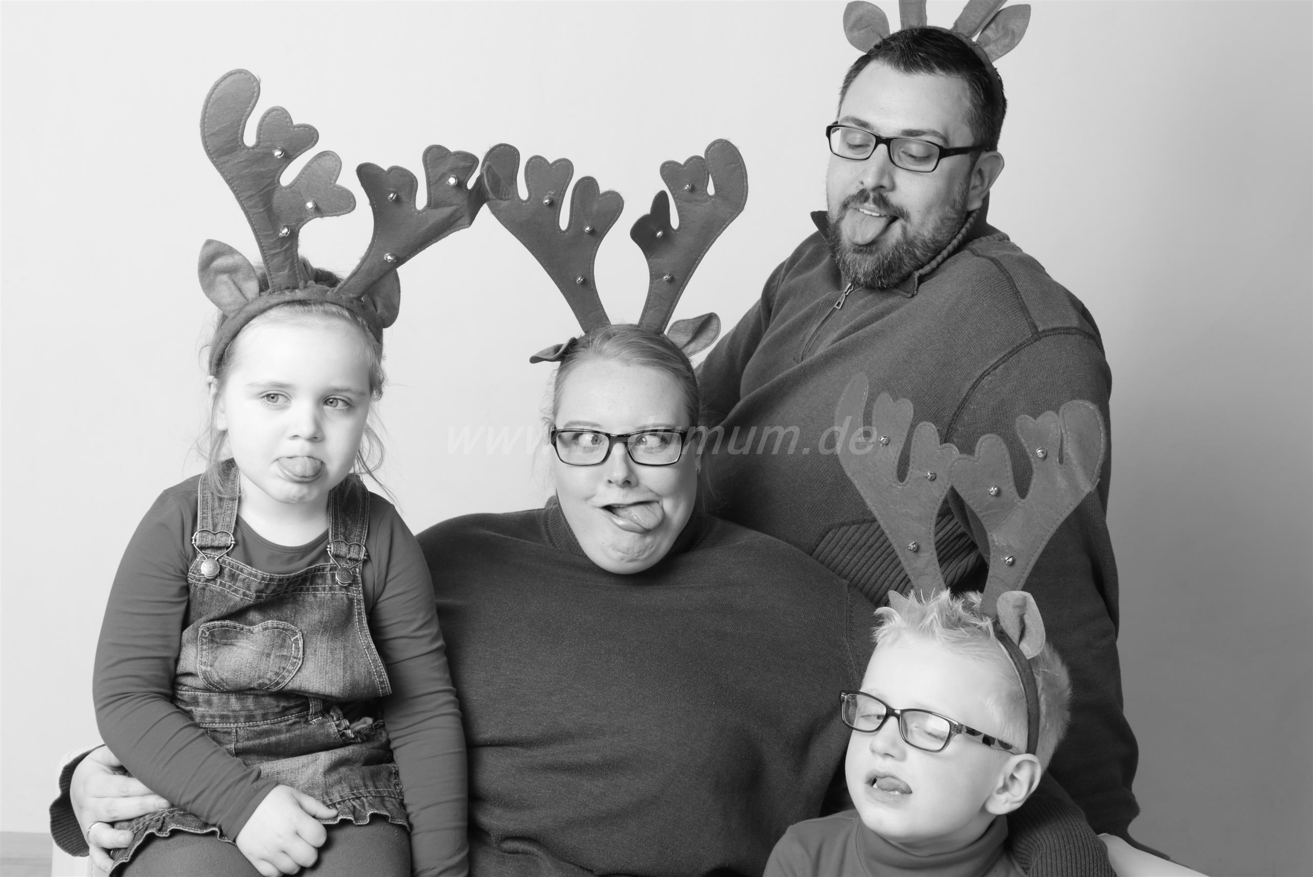 blogparade weihnachten mit kind so feiern wir nelumum. Black Bedroom Furniture Sets. Home Design Ideas